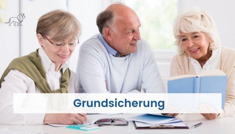 Rentner bei der Beratung zum Thema Grundsicherung im Alter