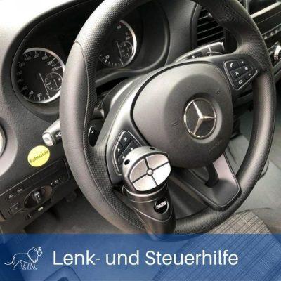 Das Bild zeigt eine elektronische Fahrhilfe und Lenkhilfe im Auto